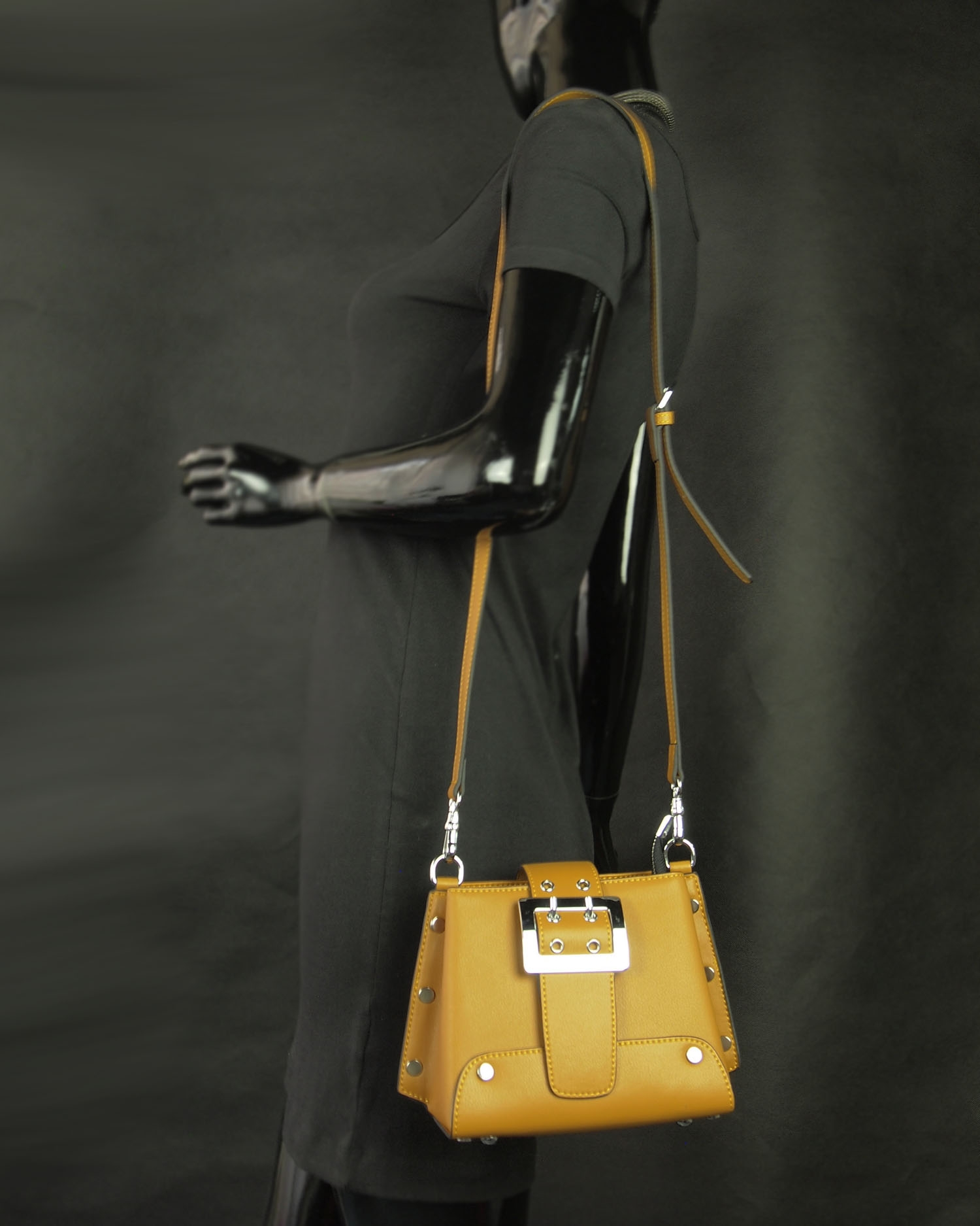Butterfield Vonnie Top Handle Carry